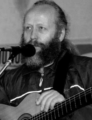Александр Макаренков